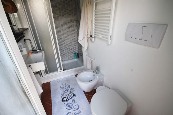 Bagno camera n. 1